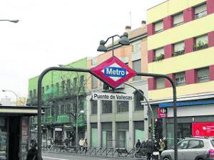 Entrada Metro Puente Vallecas