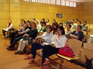 En el foro participaron unas sesenta personas.