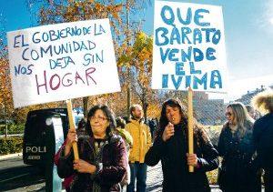 El pasado verano, ayuntamiento y comunidad de Madrid vendieron casi 5.000 viviendas públicas a dos fondos de inversión internacionales a precio de saldo