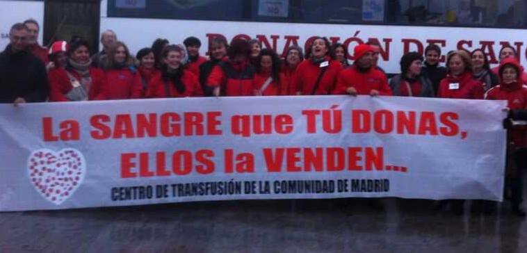 Trabajadores del centro de transfusión.