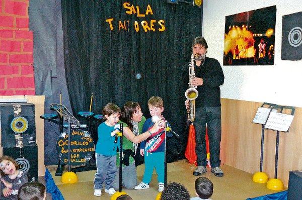 Los niños han habilitado una sala de conciertos /Foto: E.I. Luisa Fernanda