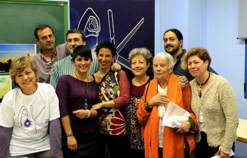 Valentina, con otros miembros del colectivo Poekas. /FOTO: Aitor González