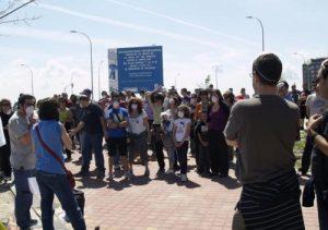 Los vecinos se muestran dispuestos a continuar sus acciones hasta que el problema se solucione. /FOTO: A.V. PAU de Vallecas