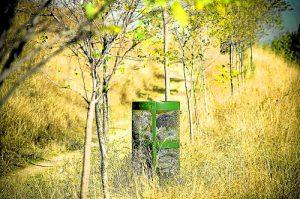 Papeleras repletas de basura. /FOTO: P.V.
