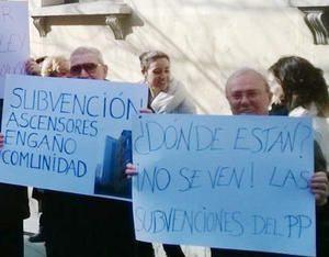 Las protestas de vecinos afectados por este problema vienen siendo una constante desde la promulgación de la Ley 4/2012