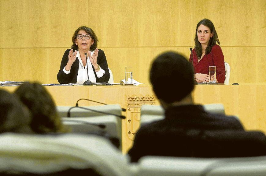 Inés Sabanés expuso la visión municipal sobre este tema.