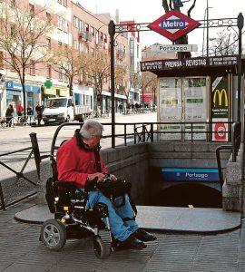 La estación de Portazgo, hoy totalmente inaccesible en silla de ruedas.