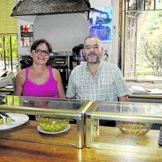 Maribel y Juan José, propietarios del negocio.