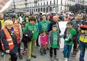 La comunidad educativa vallecana estuvo presente en la marcha ciclista a Sol del 26 de marzo.