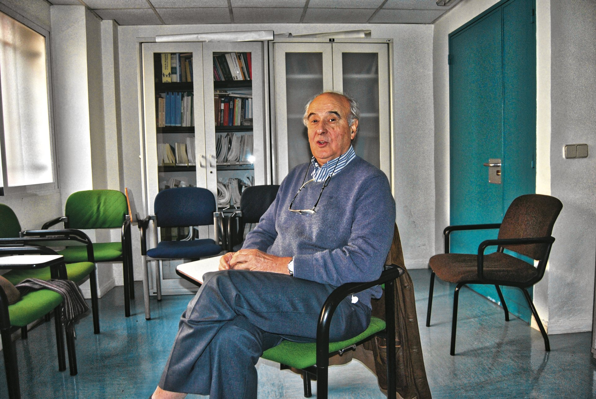 Juan Luis Ruiz-Giménez, en el Centro de Salud Vicente Soldevilla.