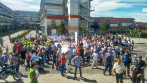 Los vecinos abrazaron a su hospital el 1 de septiembre. En Vallecas, la sanidad pública se defiende.