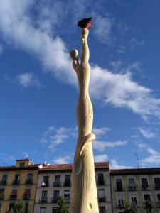 """escultura """"El pueblo español tiene un camino que conduce a una estrella"""" de Alberto Sánchez"""