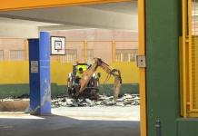 Maquinaria de obra en uno de los colegios